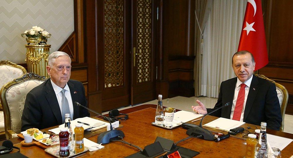 Cumhurbaşkanı Recep Tayyip Erdoğan ve ABD Savunma Bakanı James Mattis