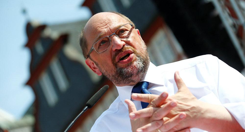 Schulz: Alman tutuklular serbest bırakılmazsa, Gümrük Birliği genişletilmemeli