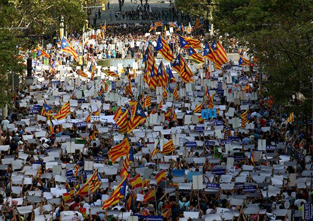 Barselona'da teröre karşı Korkmuyorum gösterisi