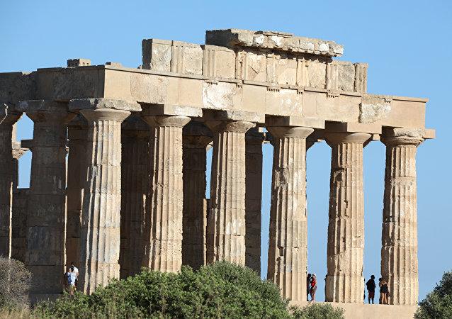 Antik Yunan tapınağı
