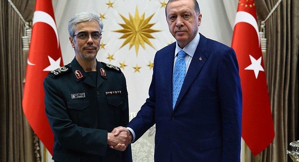 İran Genelkurmay Başkanı Muhammed Bakıri ve Cumhurbaşkanı Recep Tayyip Erdoğan