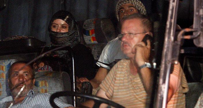 IŞİD mensupları ve ailelerini taşıyan konvoy