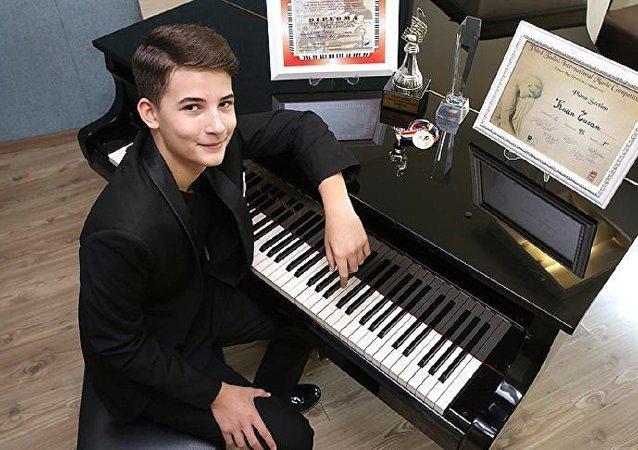 Piyano sanatçısı Kaan Turan