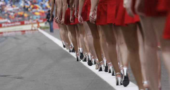 Formula 1 pistlerinin güzel  melekleri  grid kızları