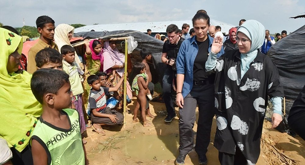 Emine Erdoğan, Bangladeş'te Arakanlı sığınmacıları ziyaret etti