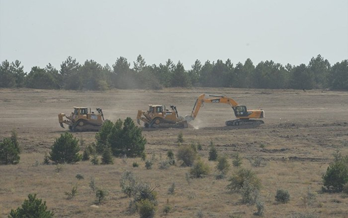 ODTÜ'de orman katliamı yapılırken polisler 'Ankara havası' ile göbek attı