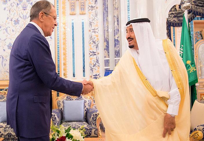 Lavrov, Suudi Arabistan Kralı Selman bin Abdülaziz'le de görüştü.