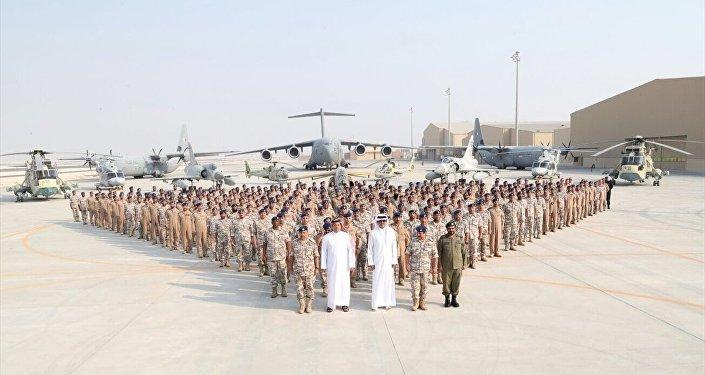 Katar Emiri, ABD üssünü ziyaret etti