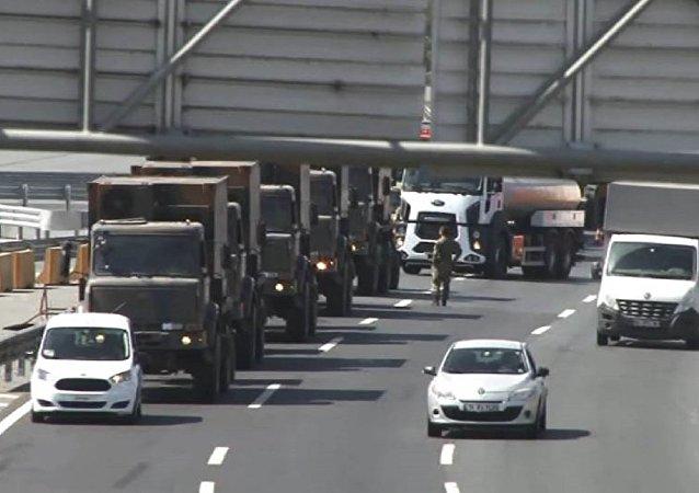 İstanbul'da askeri araç hareketliliği