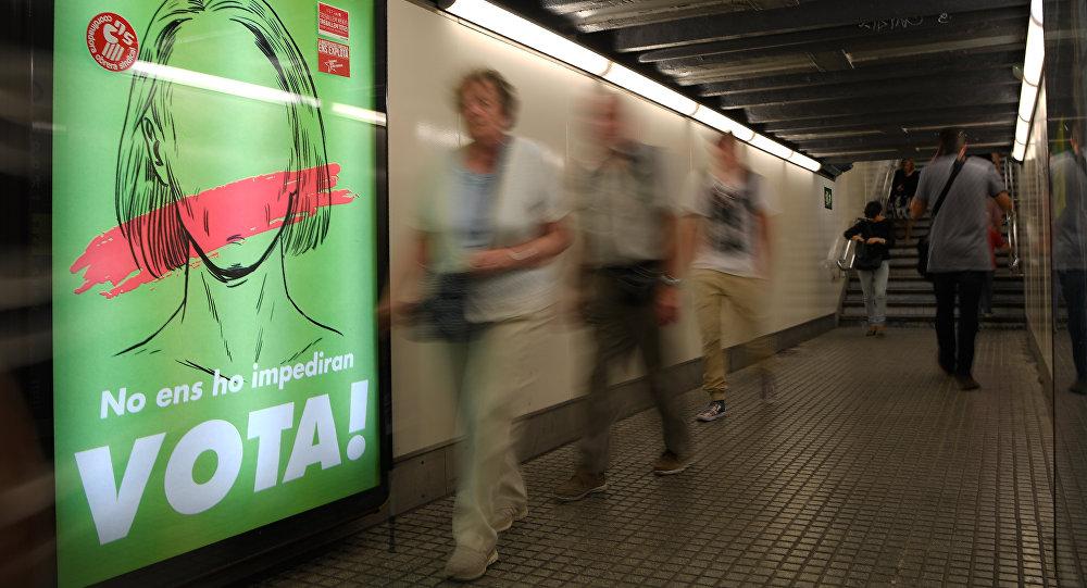 İspanya, Barcelona'da referandum afişi