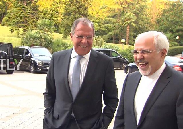 Rusya Dışişleri Bakanı Sergey Lavrov, İran Dışişleri Bakanı Muhammed Cevad Zarif