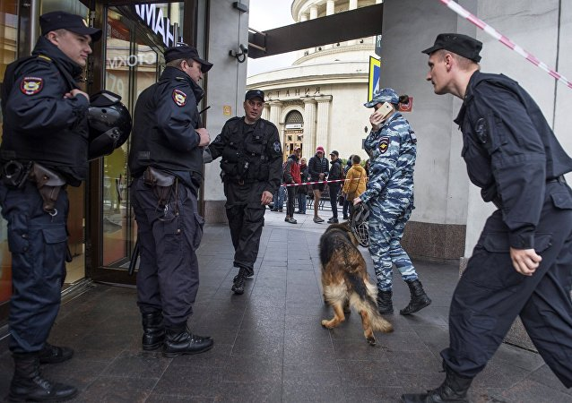 Evacuation prompted by anonymous bomb threat calls in Saint Petersburg, Russia