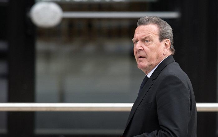 Eski Almanya Başbakanı Schröder: ABD işgali altında gibi olmamalıyız, yeni müttefikler aramalıyız