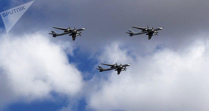 Tu-95 bombers