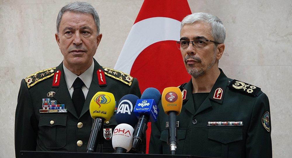 Genelkurmay Başkanı Orgeneral Hulusi Akar ve İran Genelkurmay Başkanı Tümgeneral Muhammed Bakıri