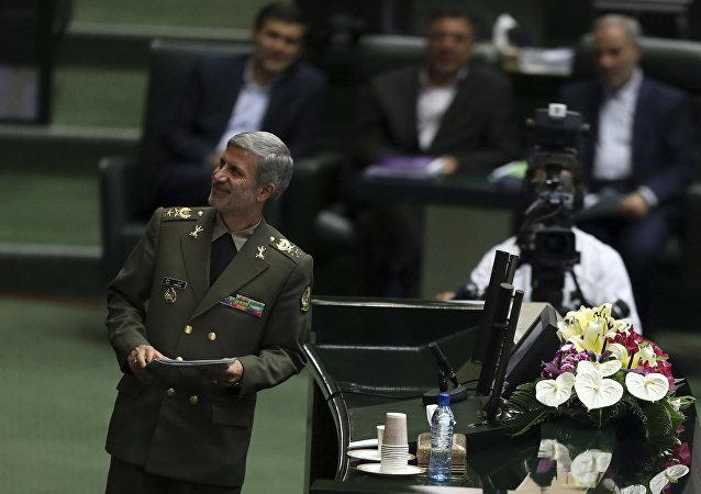 İran Savunma Bakanı Emir Hatemi