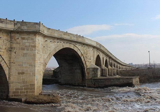 Uzun Köprü
