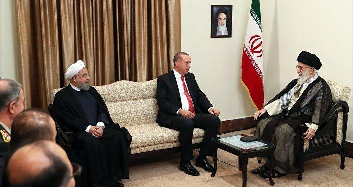 İran Cumhurbaşkanı Hasan Ruhani, Cumhurbaşkanı Recep Tayyip Erdoğan ve İran Dini Lideri Ayetullah Ali Hamaney