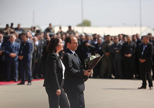 HDP Eş Genel Başkanı Serpil Kemalbay ve Parti Sözcüsü Osman Baydemir Celal Talabani'nin cenazesinde