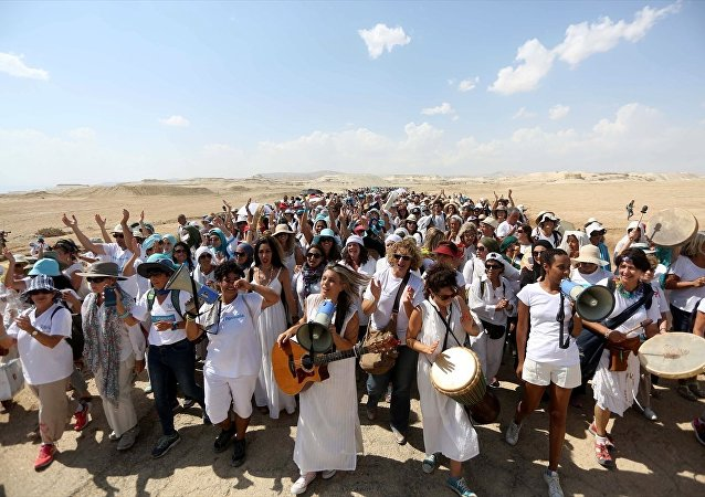 Filistinli ve İsrailli kadınlar, 'barış' için birlikte yürüdü