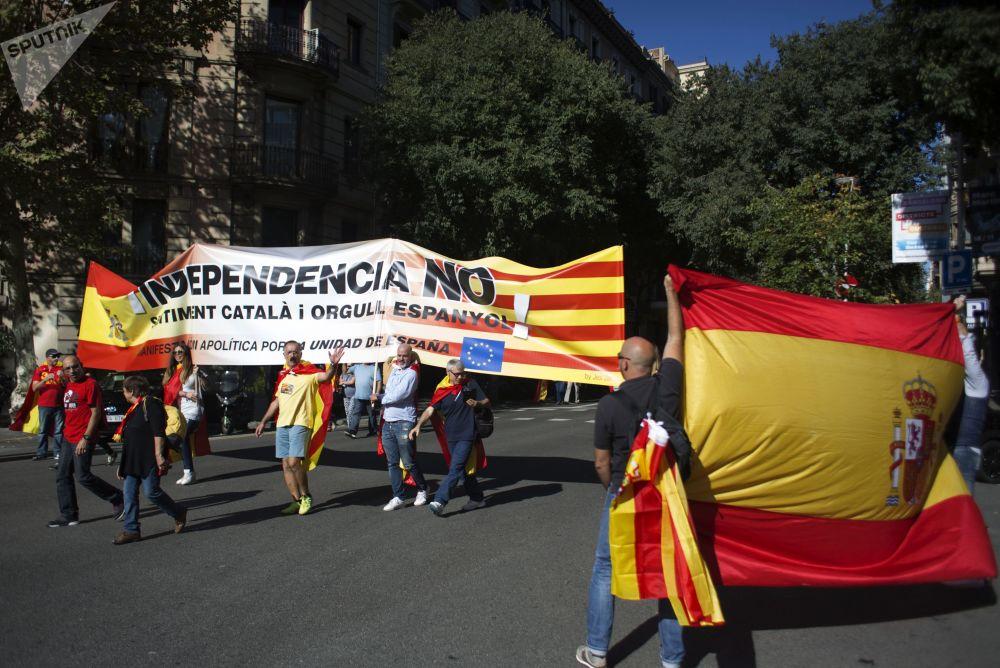 Barselona'da bağımsızlık karşıtları gösterisi