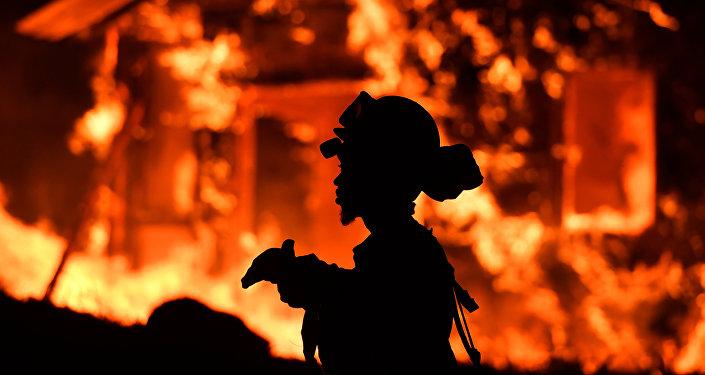 Kuzey Kaliforniya'daki yangınlar büyüyor