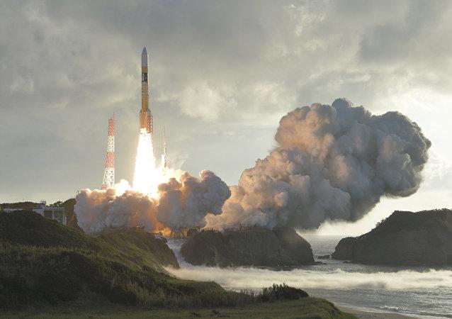 Japonya'nın Michibiki uydusunu uzaya yollayan H-2A roketi