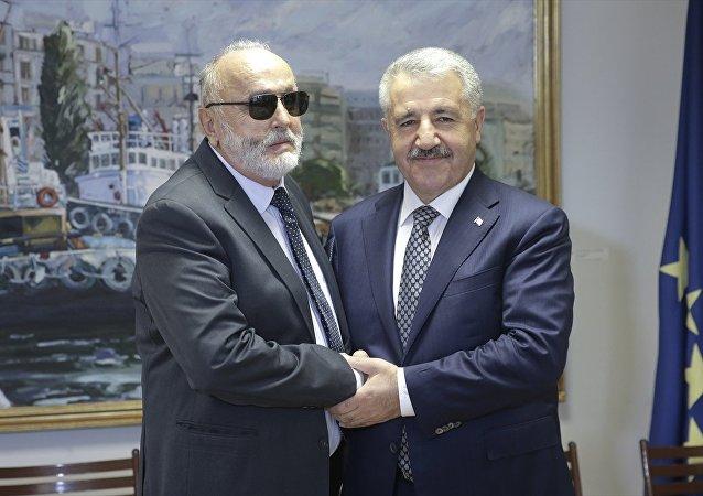 Yunanistan Denizcilik Bakanı Panayotis Kurublis ve Ulaştırma, Denizcilik ve Haberleşme Bakanı Ahmet Arslan