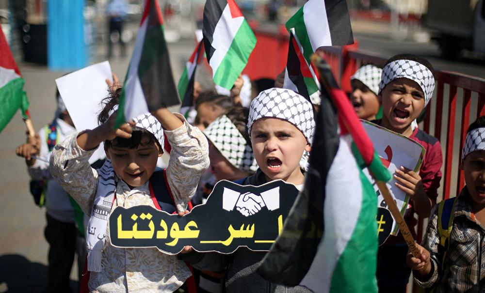 Filistinliler Hamas ve Fetih birleşmesini kutlamak için sokaklara çıktı