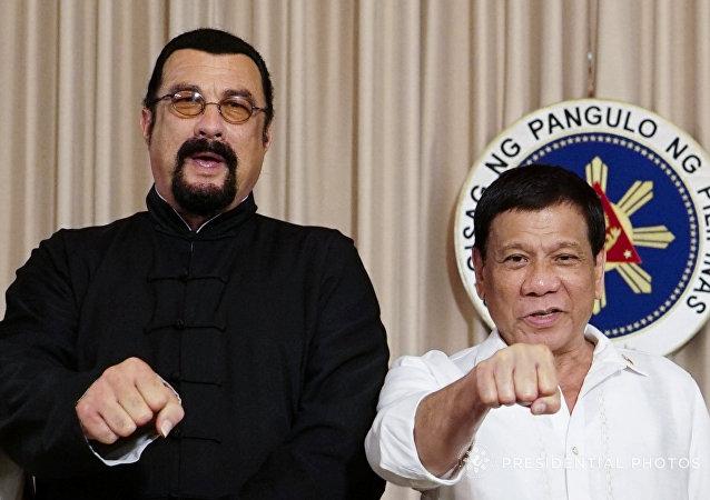 Steven Seagal-Filipinler Devlet Başkanı Rodrigo Duterte