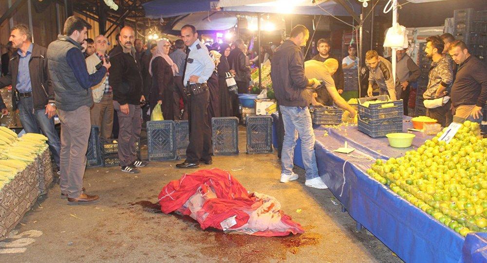 Emekli polis, 2 pazarcıyı vurdu