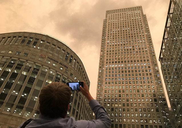 Londra- Turuncu gökyüzü