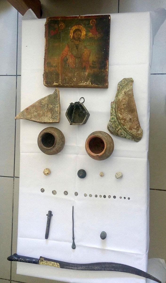 Beyoğlu'nda Tarihi Eser Operasyonu: 28 Eser Ele Geçirildi