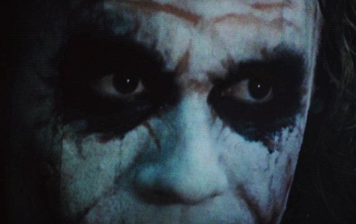 Dünyaya gözlerini açan bebeğin gördüğü ilk yüz Joker oldu