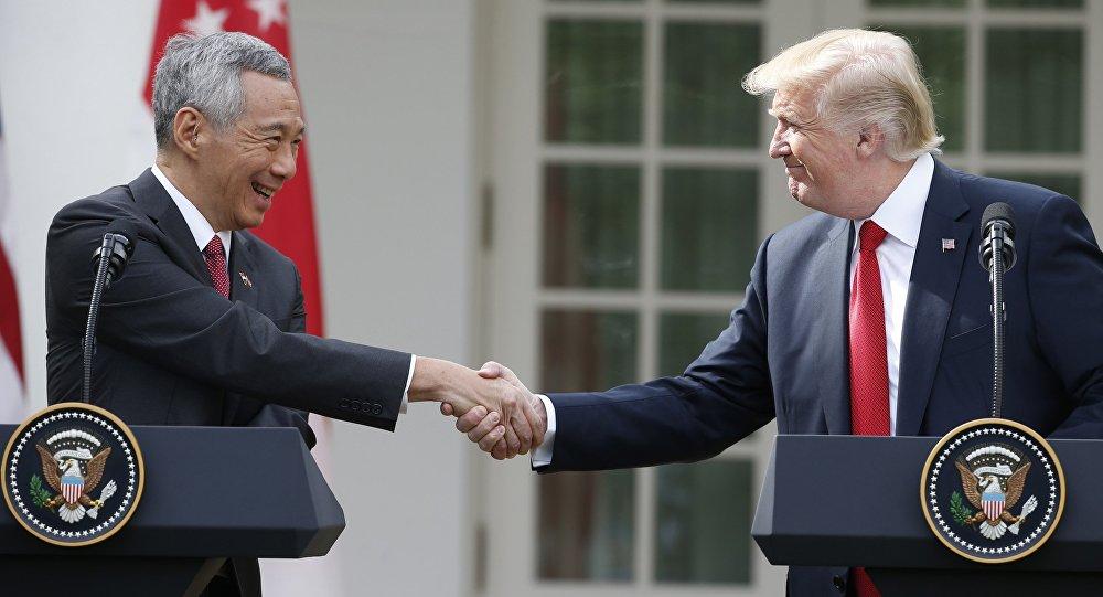 ABD Başkanı Donald Trump ile Singapur Başbakanı Lee Hsieng Loong
