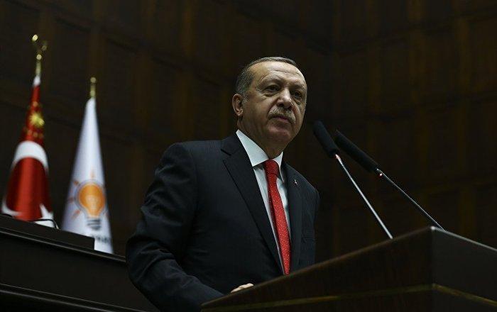 """Erdoğan doktoruna """"kontrolsüzce yalan söyleme"""" hastalığını sordu"""