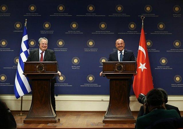 Yunanistan Dışişleri Bakanı Nikos Kocias ve Dışişleri Bakanı Mevlüt Çavuşoğlu