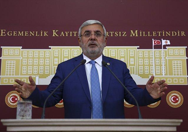 AK Parti İstanbul Milletvekili Mehmet Metiner