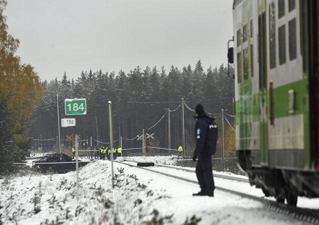 Finlandiyada tren, askeri araçla çarpıştı: 4 kişi öldü 94