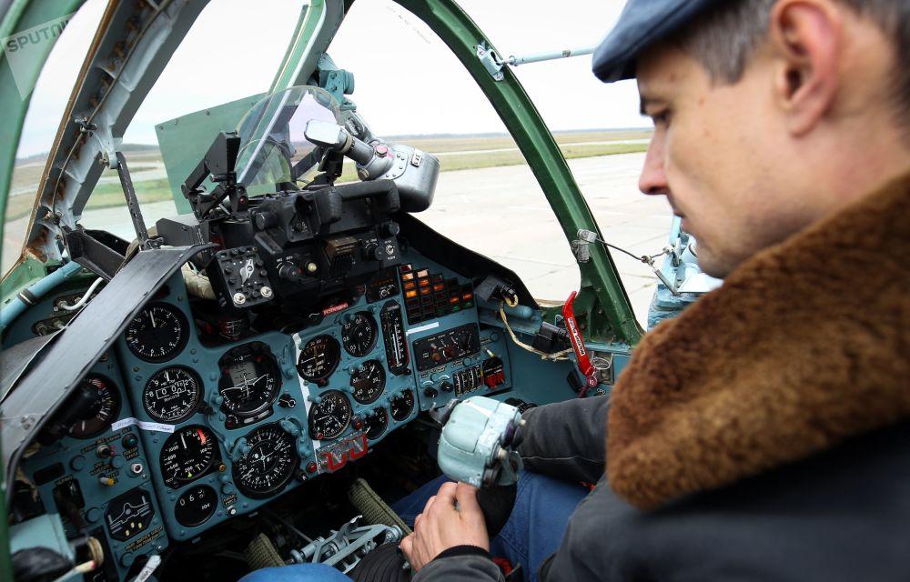 Su-25SM3 taarruz uçakları pilotlarının  uçuş eğitimi