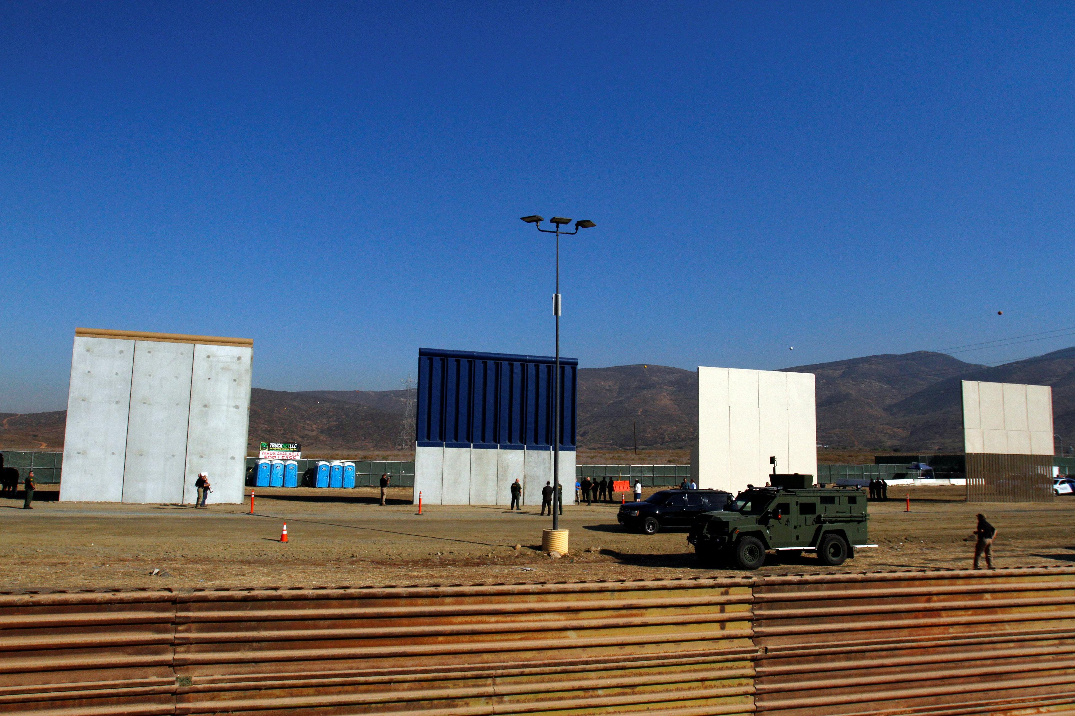 ABD-Meksika Duvarı prototipleri