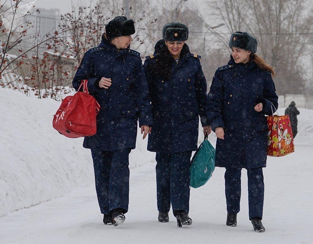 Rus ordusunda görev yapan kadın askerler