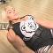 Rus vücut geliştirici ve powerlifting şampiyonu Natalya Kuznetsova, Moskova'daki bir spor salonunda egzersiz tekniklerini gösterdi. Kuznetsova ayrıca 'Her kadın seksidir' ifadelerini kullandı.