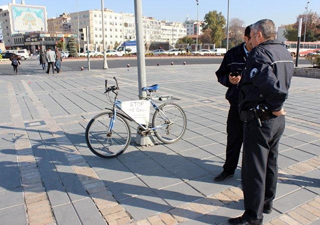 Polis, 'esrarengiz' bisikletin peşine düştü