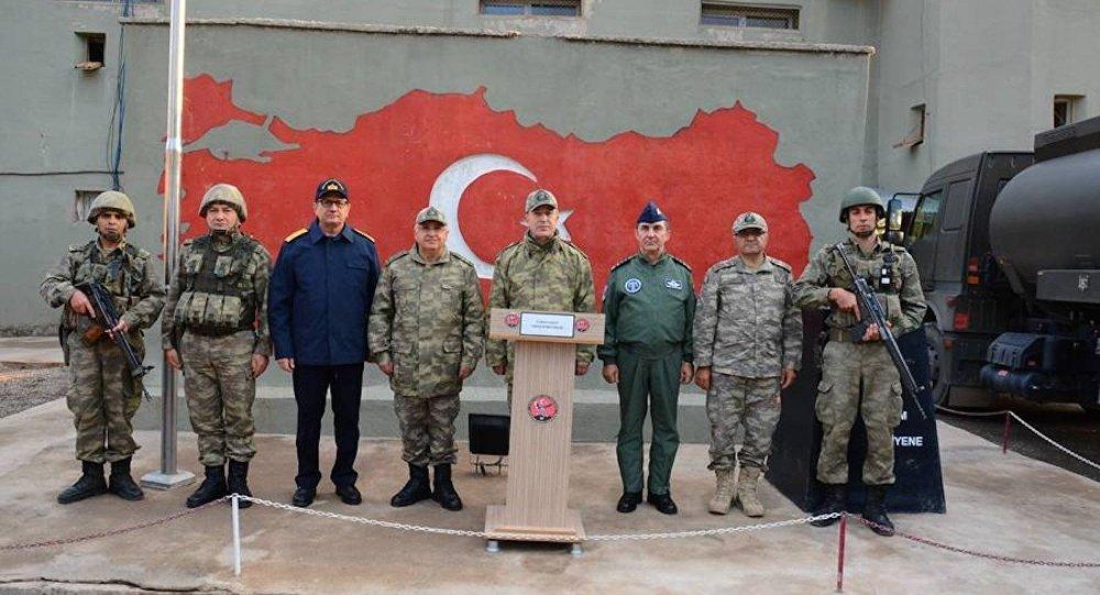 Genelkurmay Başkanı Hulusi Akar ve kuvvet komutanları Hakkari Şemdinli'de