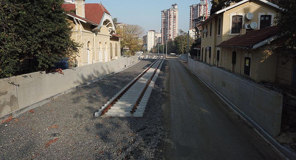 Haydarpaşa-Gebze hattında ilk raylar döşendi