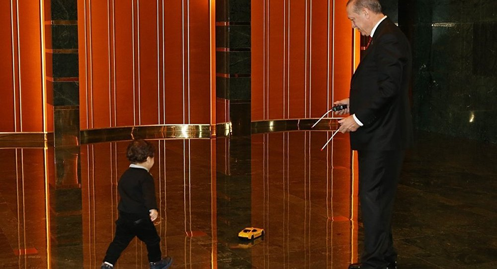 Cumhurbaşkanı Recep Tayyip Erdoğan torunu ile