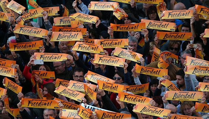 Tutuklu Katalonya siyasileri için protesto