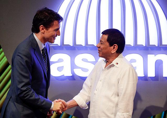 Kanada Başbakanı Justin Trudeau- Filipinler Devlet Başkanı Rodrigo Duterte