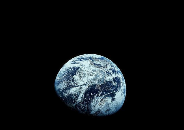 Dünya'nın uzaydan çekilmiş fotoğrafı